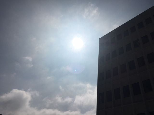 solar eclipse lens flare picture